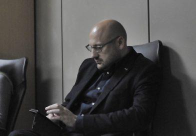 """GDJE JE NESTAO  BIVŠI DIREKTOR ZZO USK Handanagić se zaposlio u Kantonalnu bolnicu,a u KPZ """"Luke"""" mu se priprema honorarni posao  pregledavanja kriminalaca"""