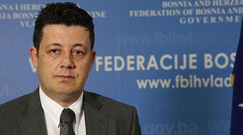 """MEDIJSKI ĆORAK IZ PRESTONICE Aljošino """"gatanje""""  iz Bakirovog i Fahrinog dlana"""