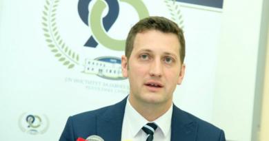 UHAPŠEN STEVANDIĆEV DIREKTOR IJZ RS: Tužilaštvo provjerava 3,2 miliona KM Zeljkovićevih korona tendera